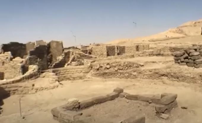 Egypte : découverte d'une  » Cité d'or perdue » vieille de 3 000 ans (galerie et vidéo) By Jack35 Capture-5