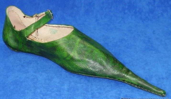 Victimes de la mode des chaussures pointues, les Anglais du Moyen Age avaient des oignons plein les pieds (vidéo) By Jack35 1-49